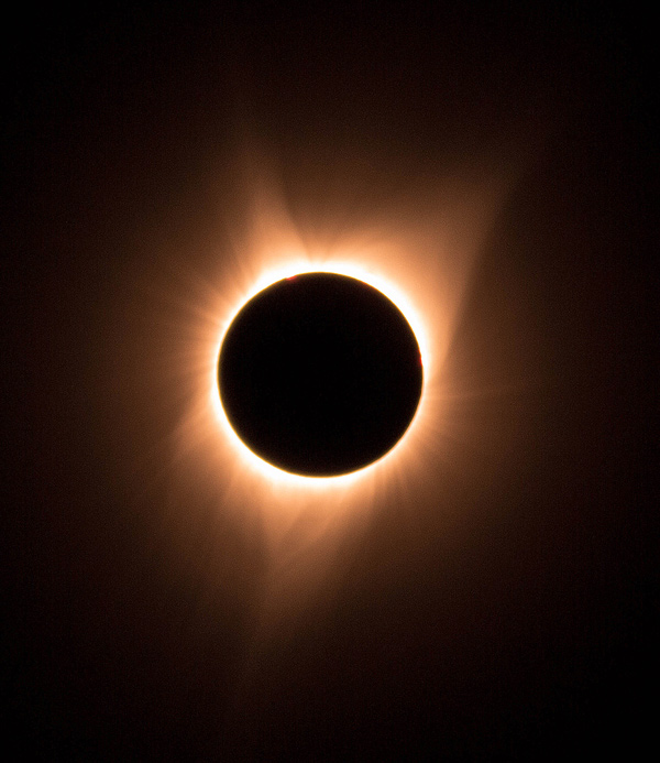 How to Photograph an eclipse and make an eclipse sequence in